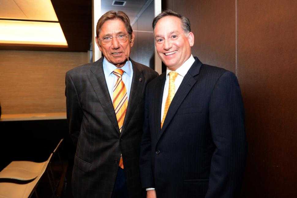 Jets legend Joe Namath calls a play for oxygen therapy